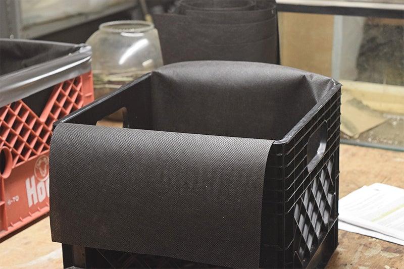 آمادهسازی جعبه جهت کاشت زعفران